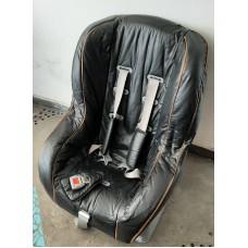 Cadeira Bebê Auto 0 a 18 kg em couro. Aceita cartão de crédito ou 10% desconto no PIX